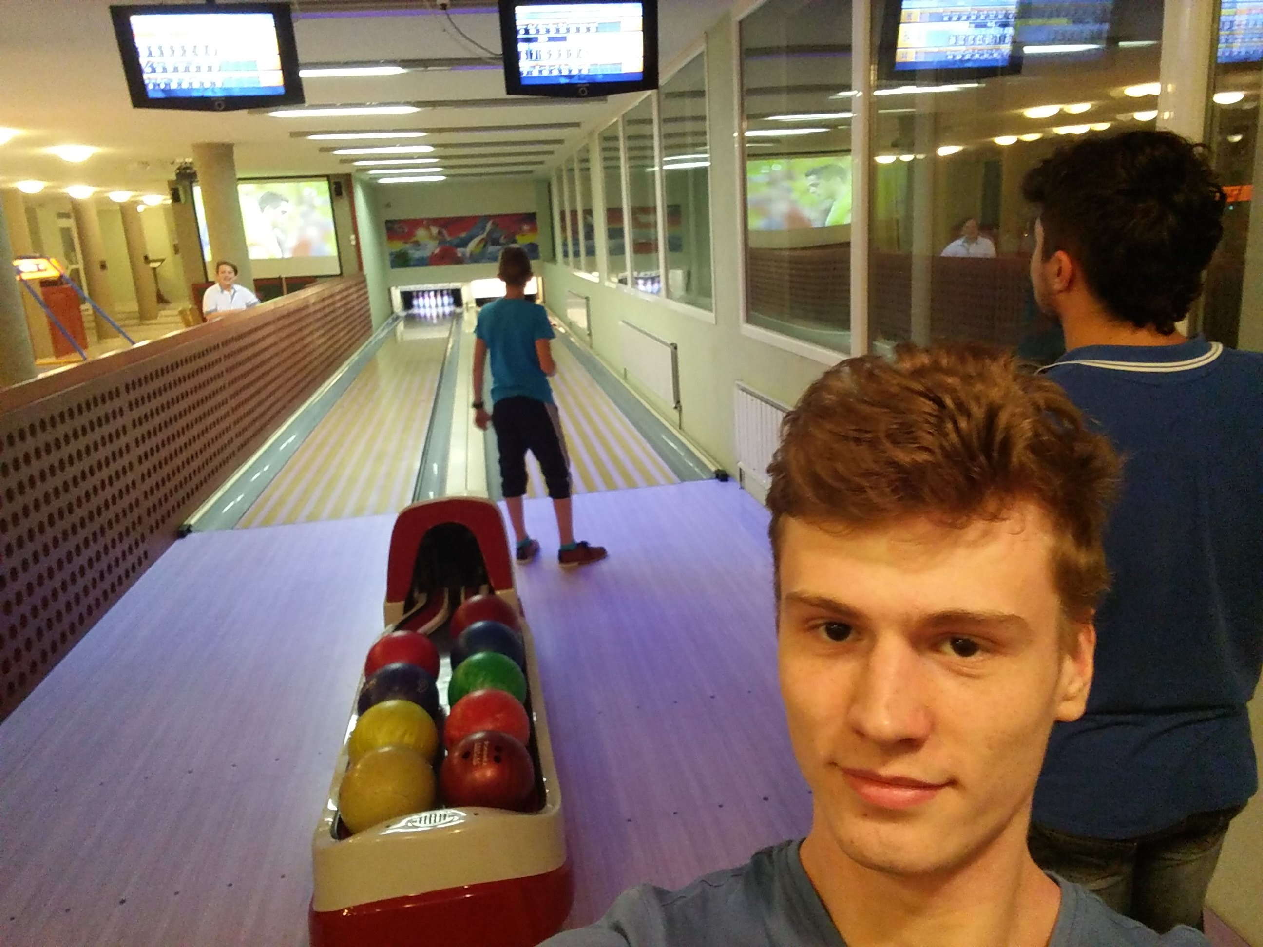 Playing bowling in breaks